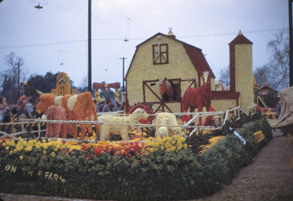 Down Farm Float 1949 Tournament Roses