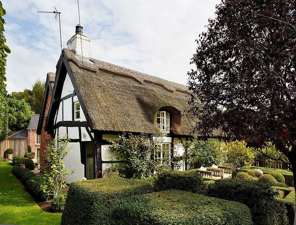 Dreamy 18th Century English Cottage Acquires Inspired