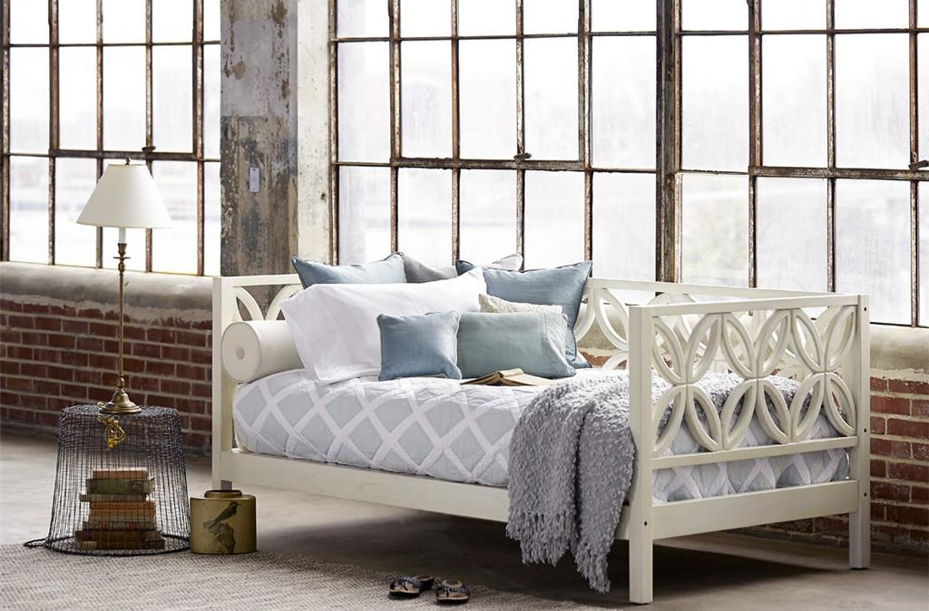 Dreamy Daybeds Double Duty Seating