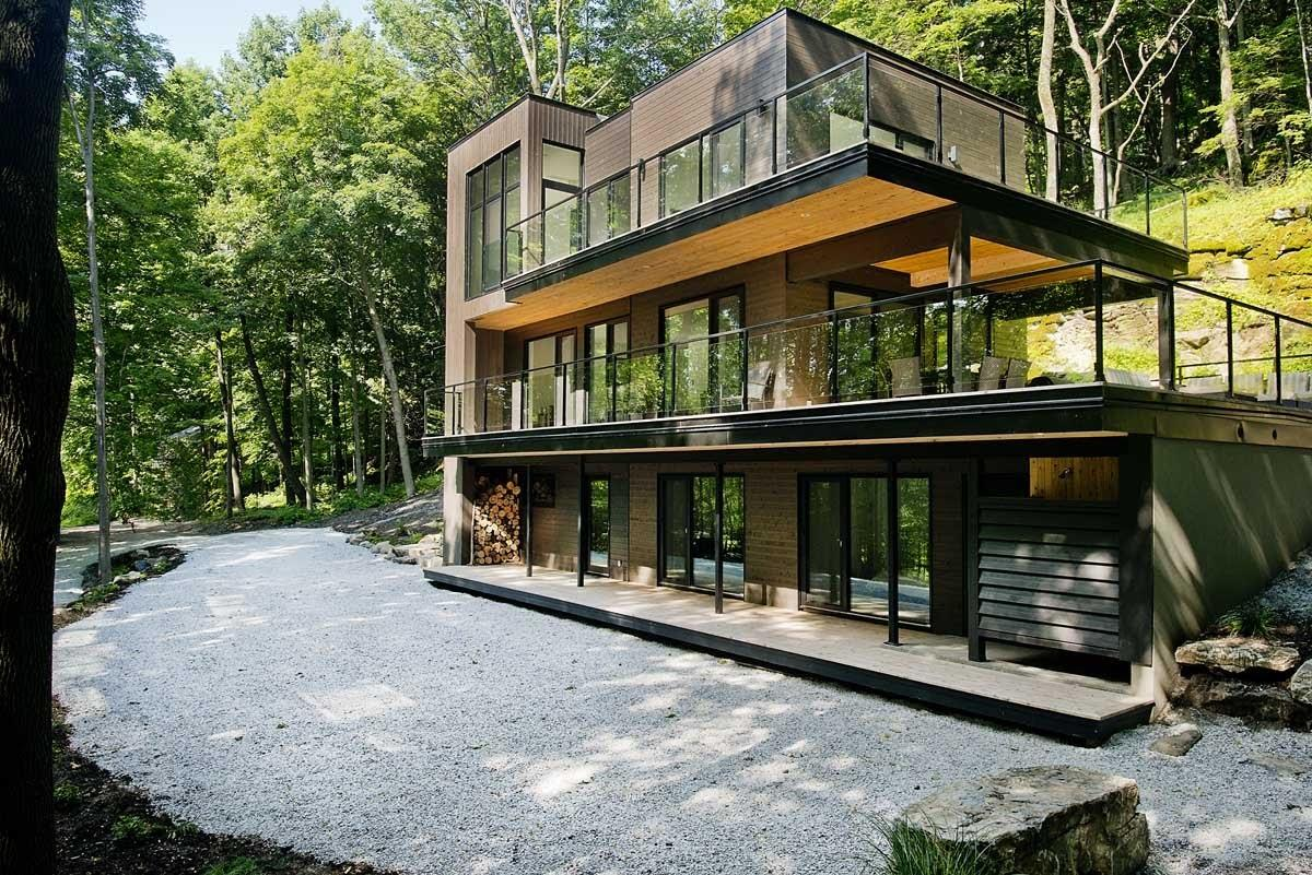 Dreamy Lakeside Modern Chalet Quebec Forested