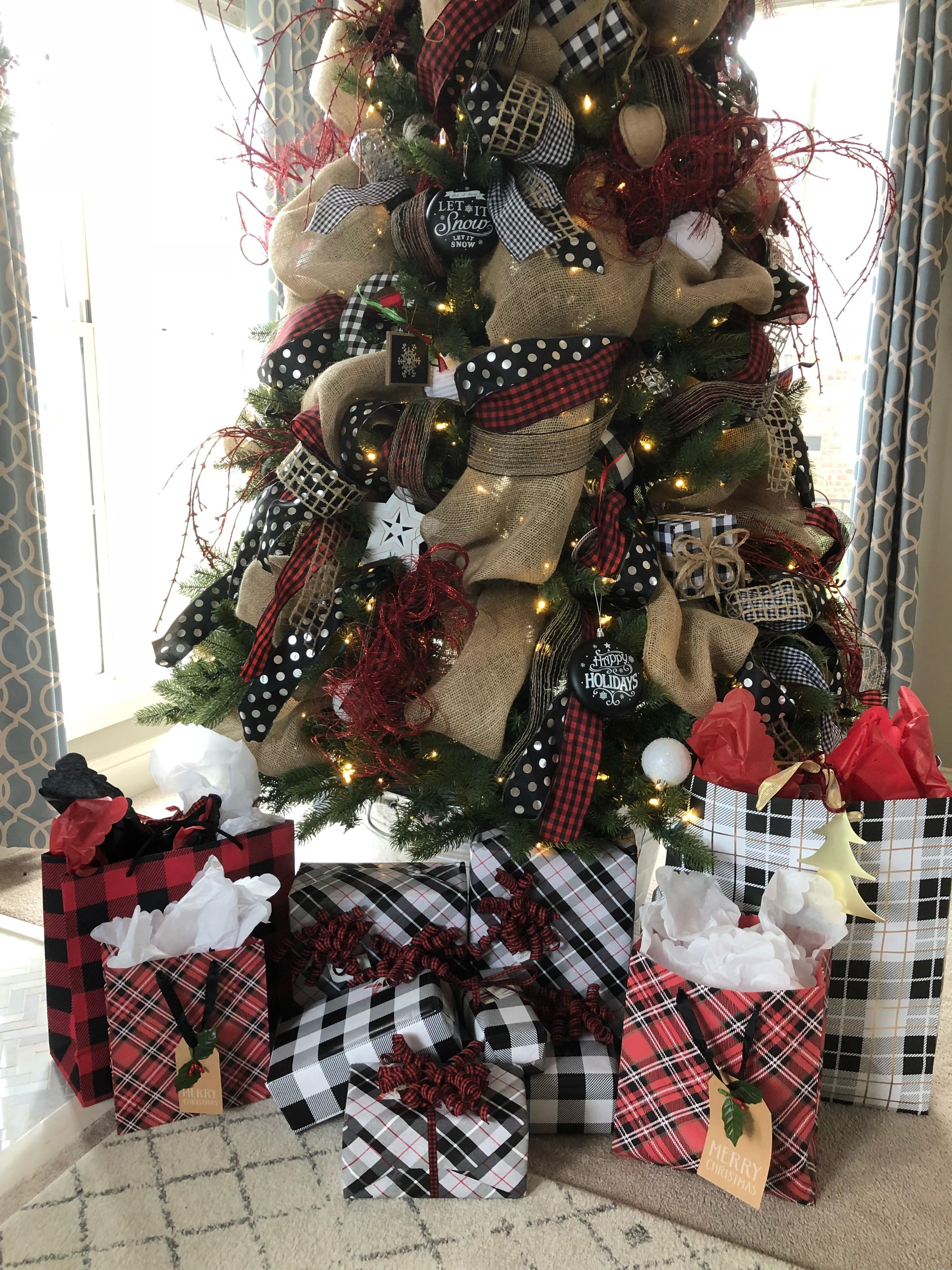 Easy Christmas Gift Wrap Trick Have Beautiful