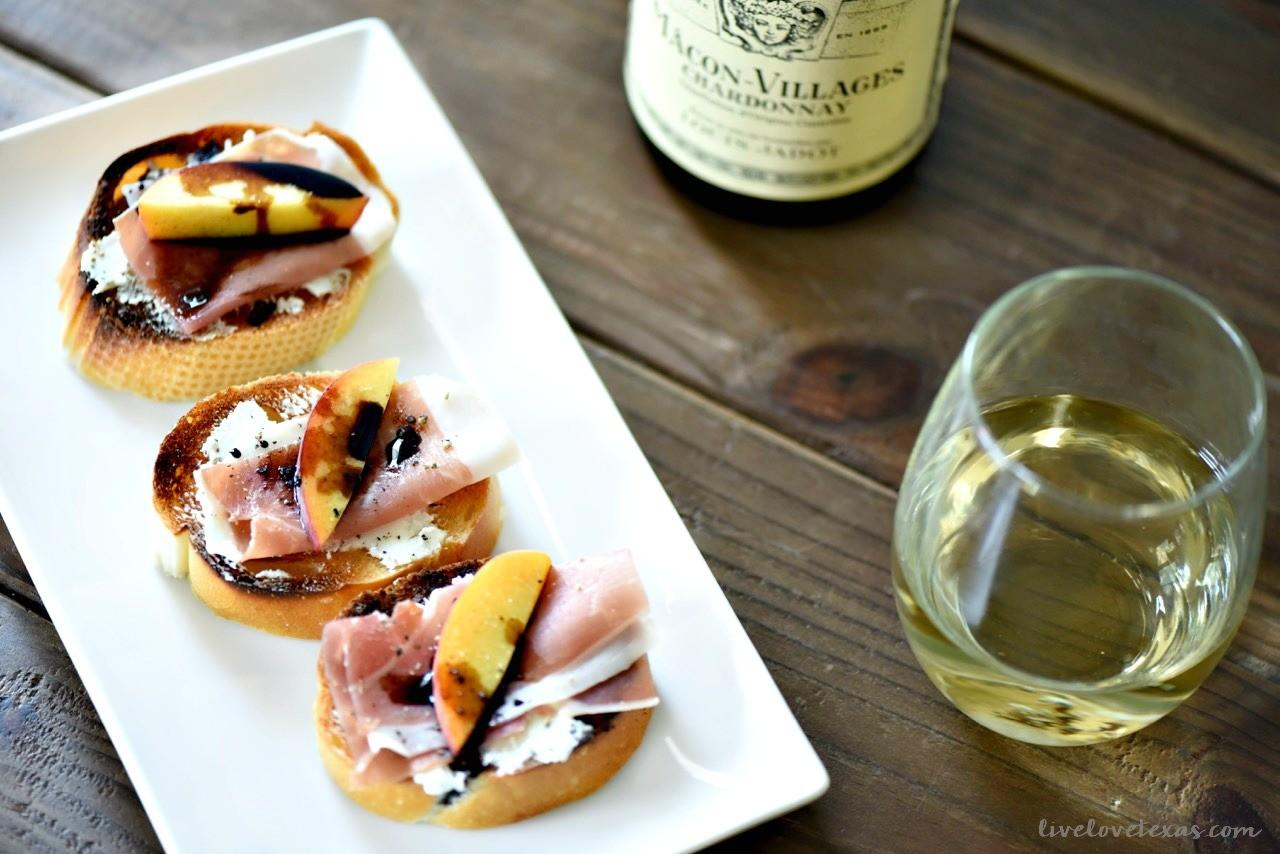 Easy Crostini Recipe Goat Cheese Prosciutto Peaches