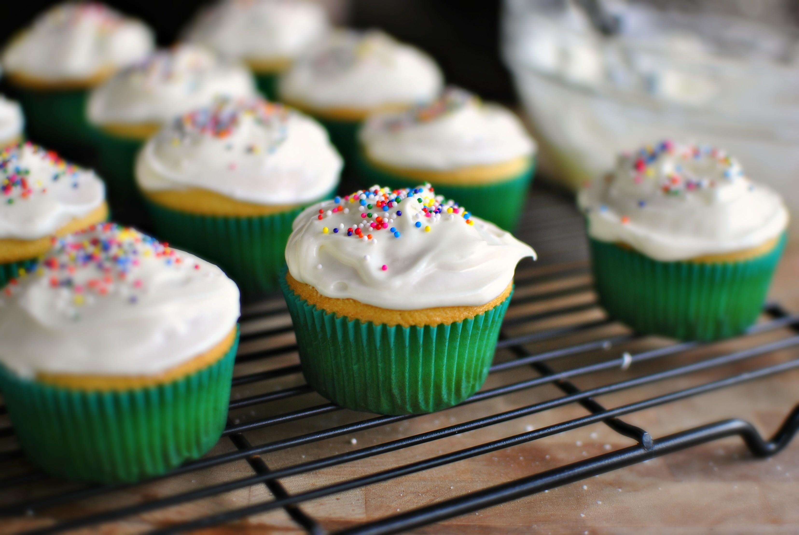 Easy Cupcake Icing
