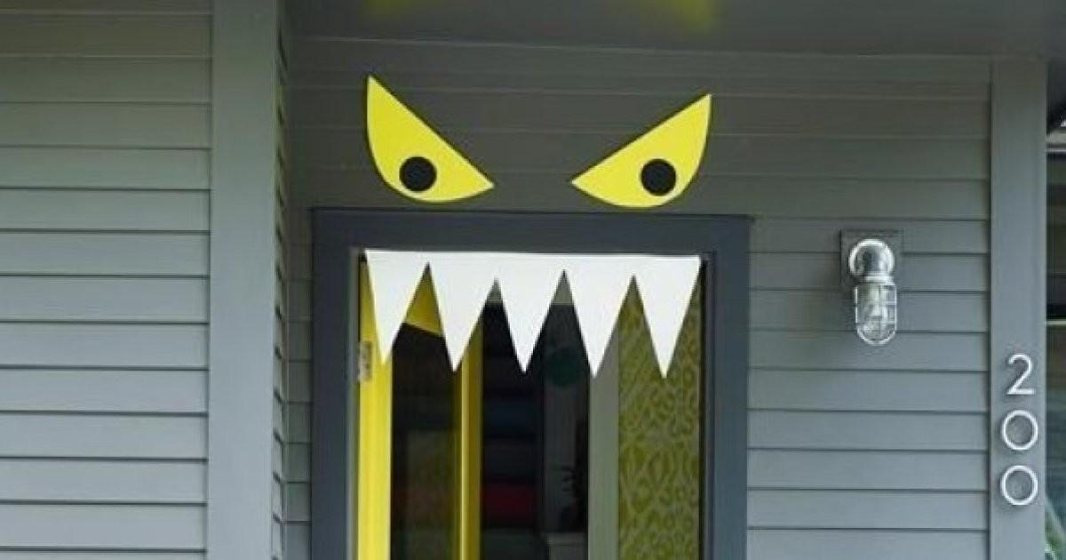 Easy Diy Halloween Door Decorations Month
