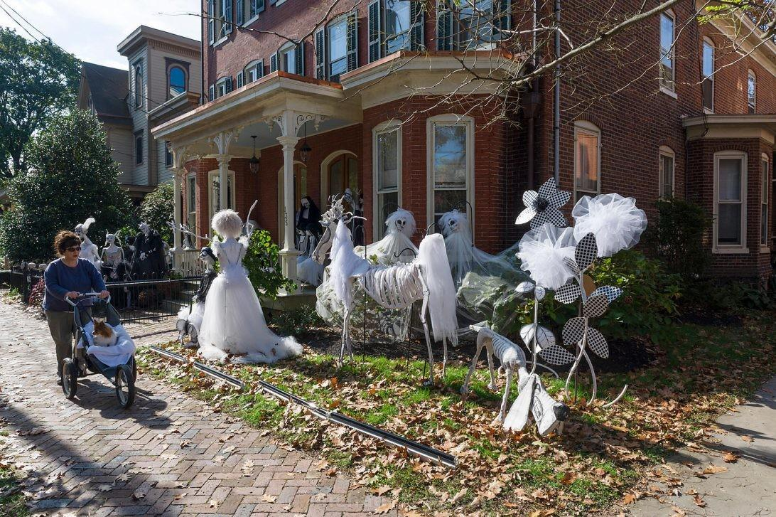 Easy Halloween Decoration Ideas Lawn Decorations