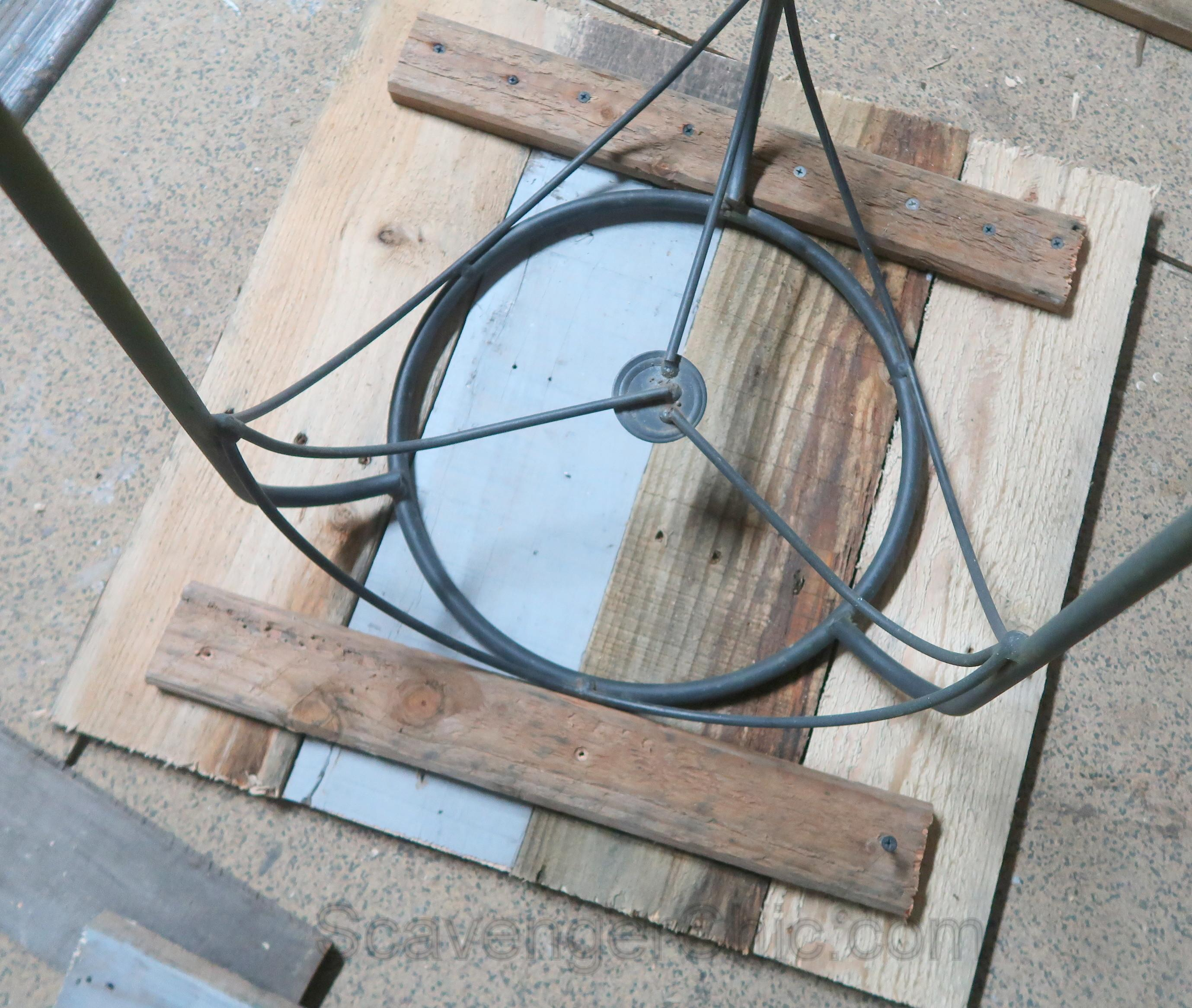 Easy Pallet Wood Outdoor Side Table Scavenger Chic