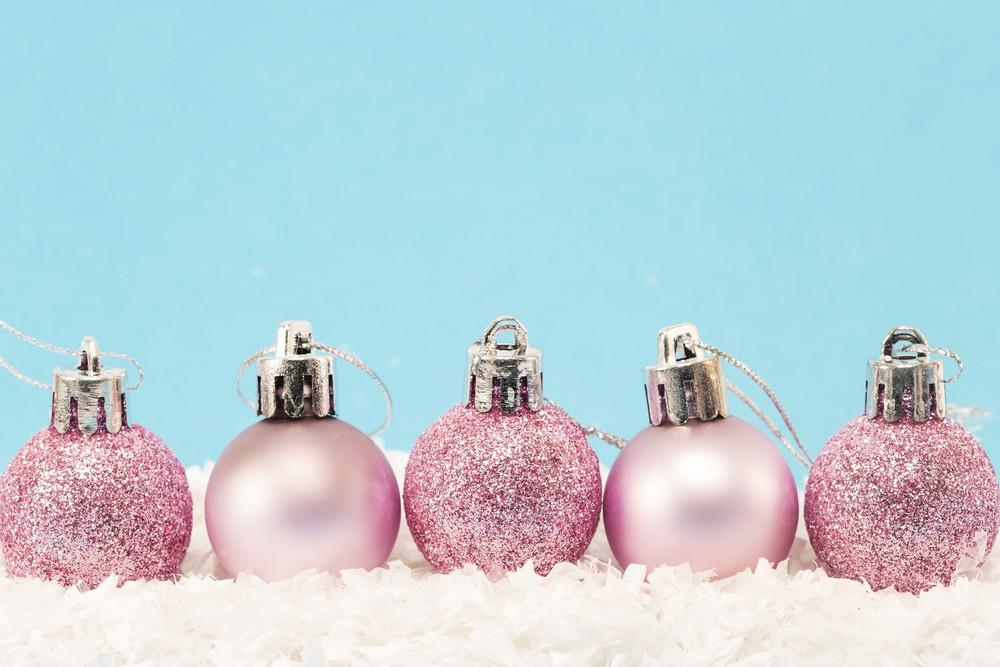 Easy Pink Holiday Decorations Pinkly Perfect