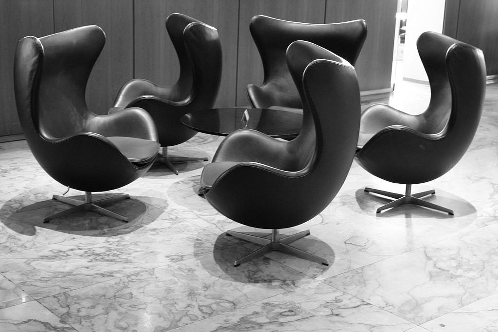 Egg Chairs Buy Arne Jacobsen Designed