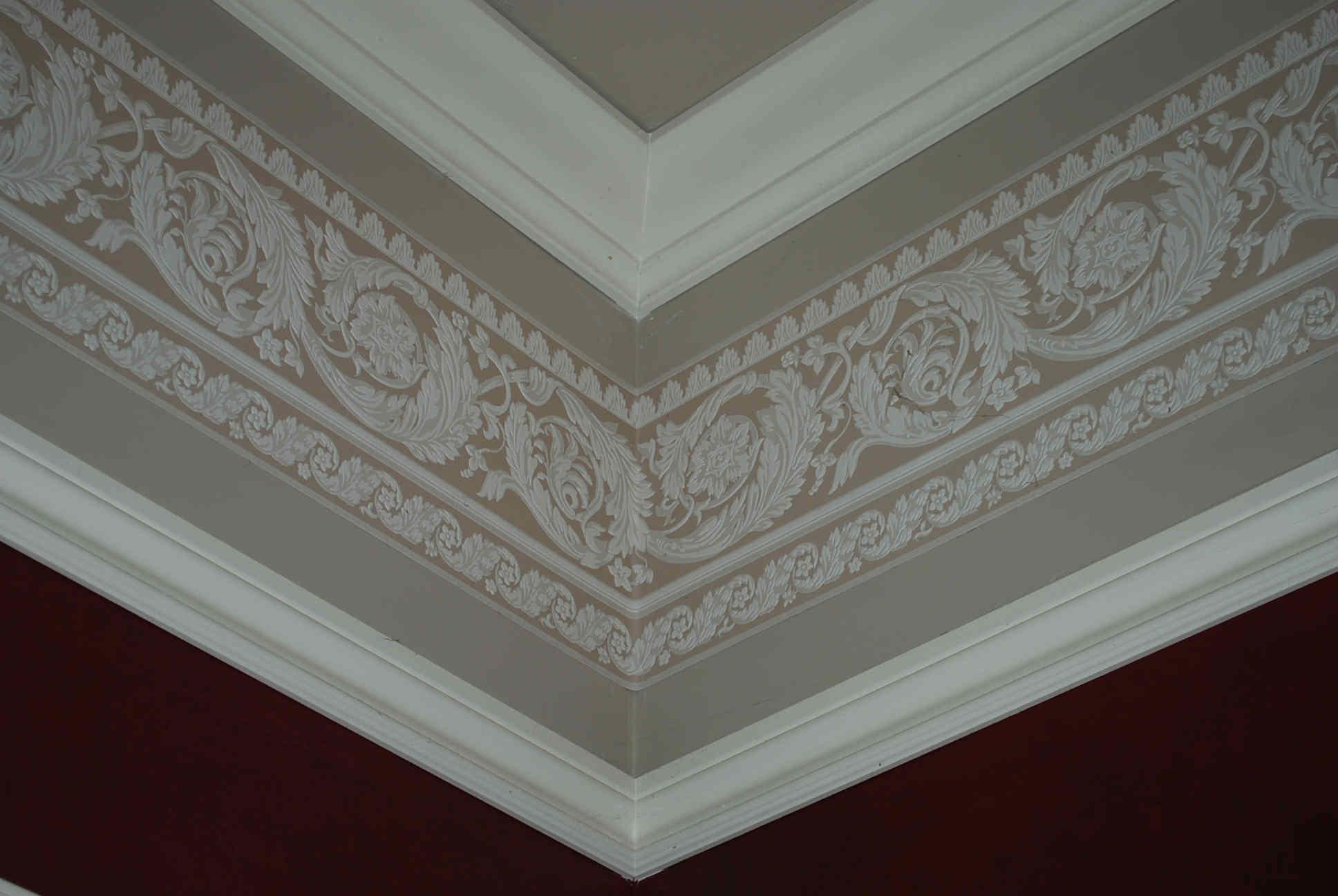 Elegant Crown Molding Vaulted Ceiling Ideas