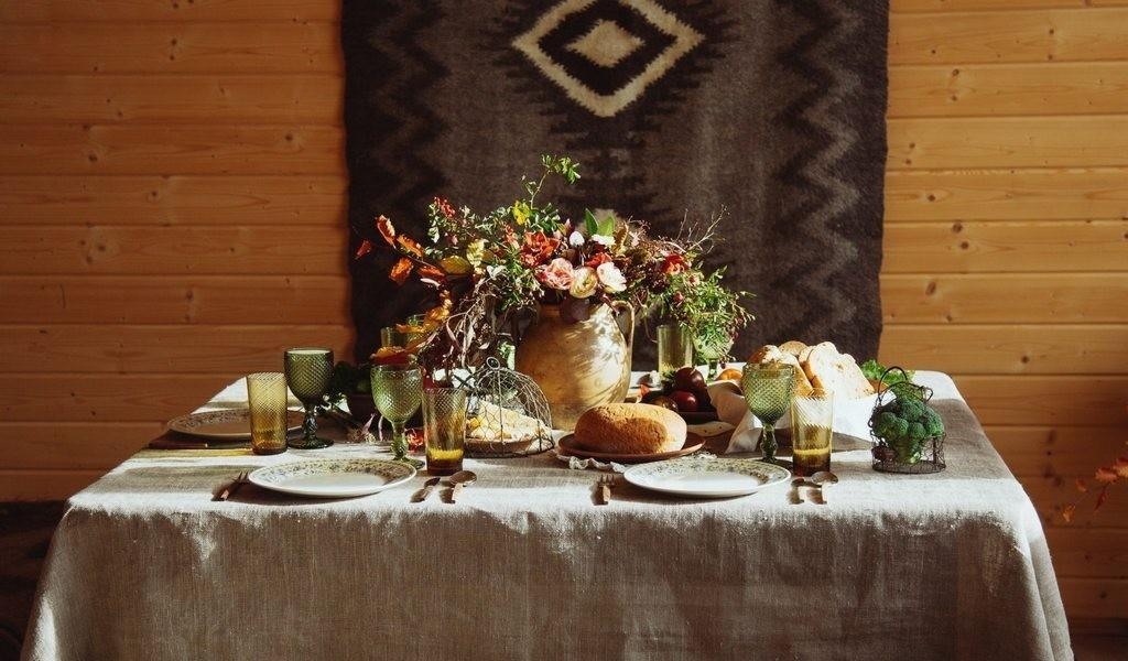 Elevate Your Thanksgiving Tablescape Year These