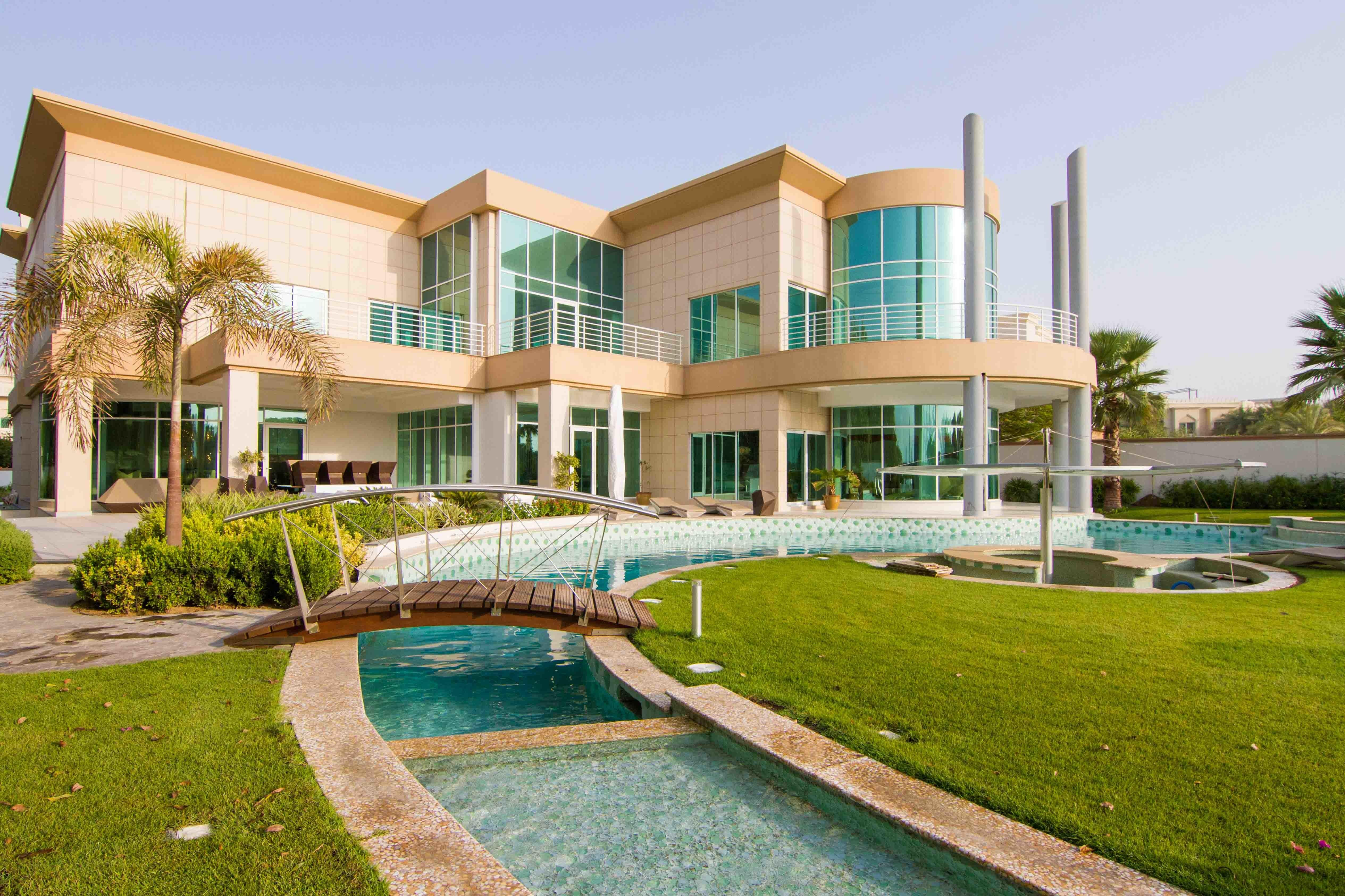 Emirates Hills Sector Aed 110 Million Wealth
