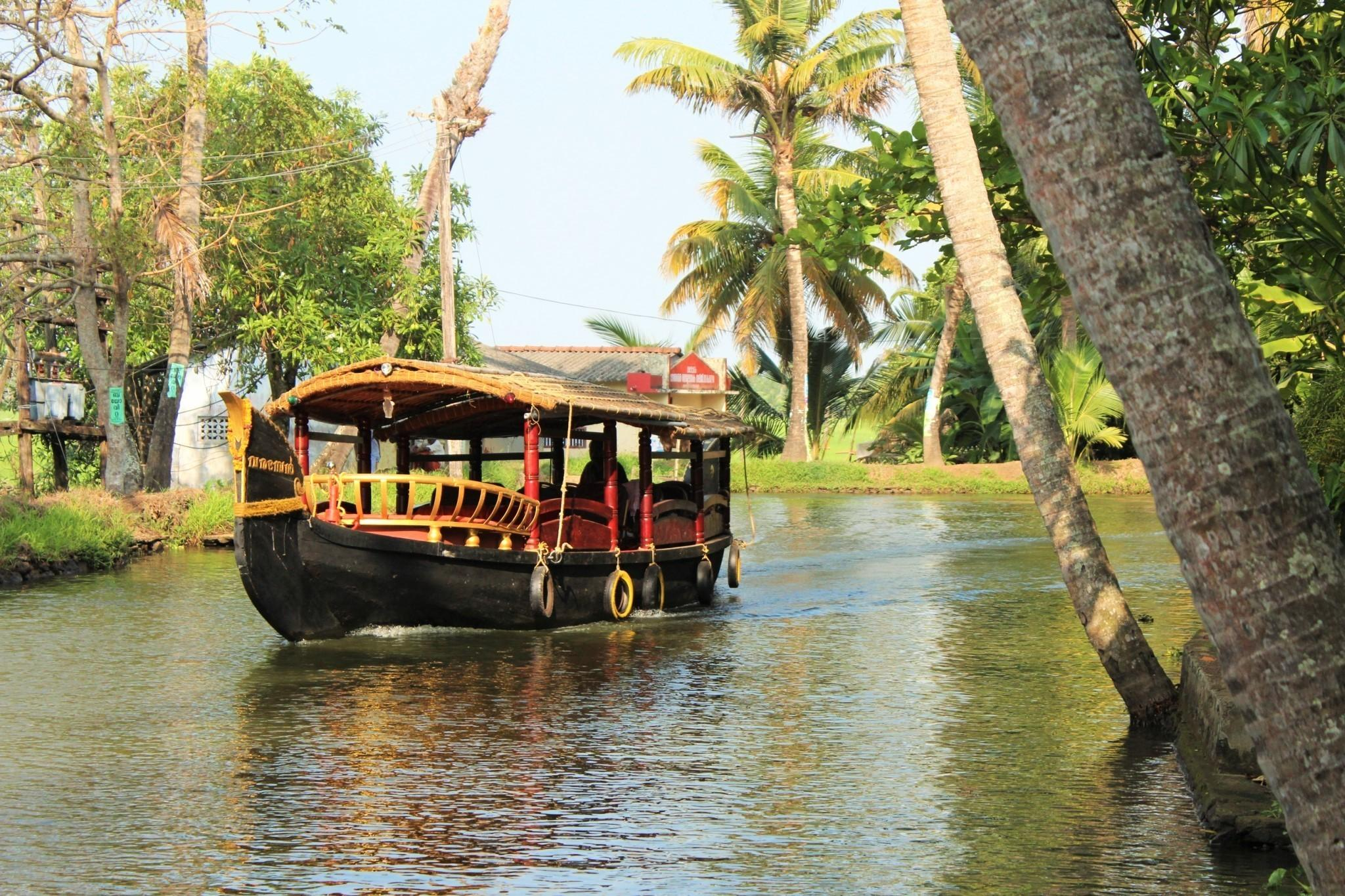 Experience Amazing Colours Kerala Backwater
