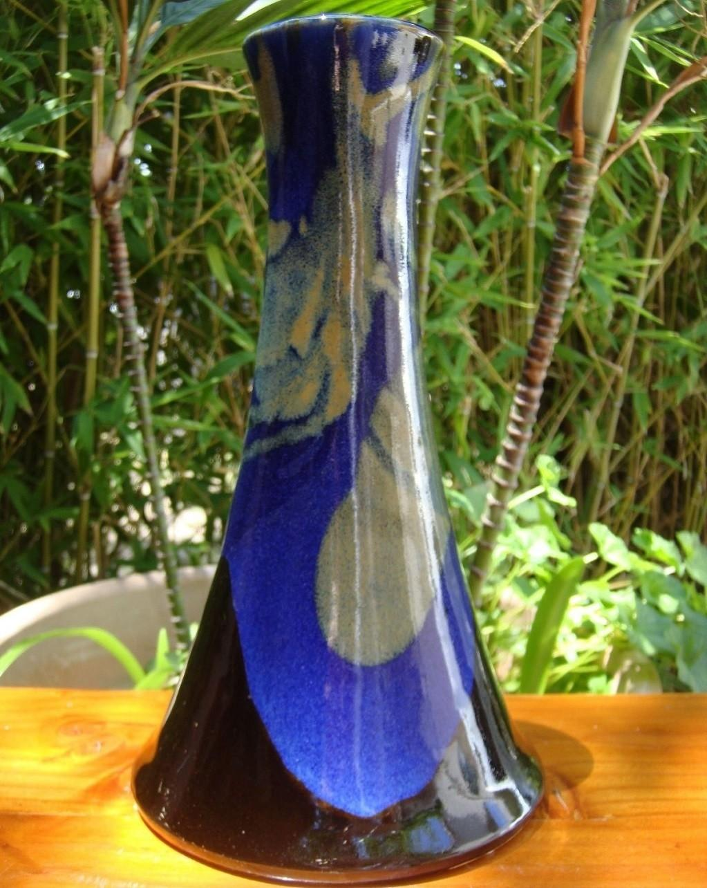 Exquisite Japanese Chinese Tall Blue Black Gold