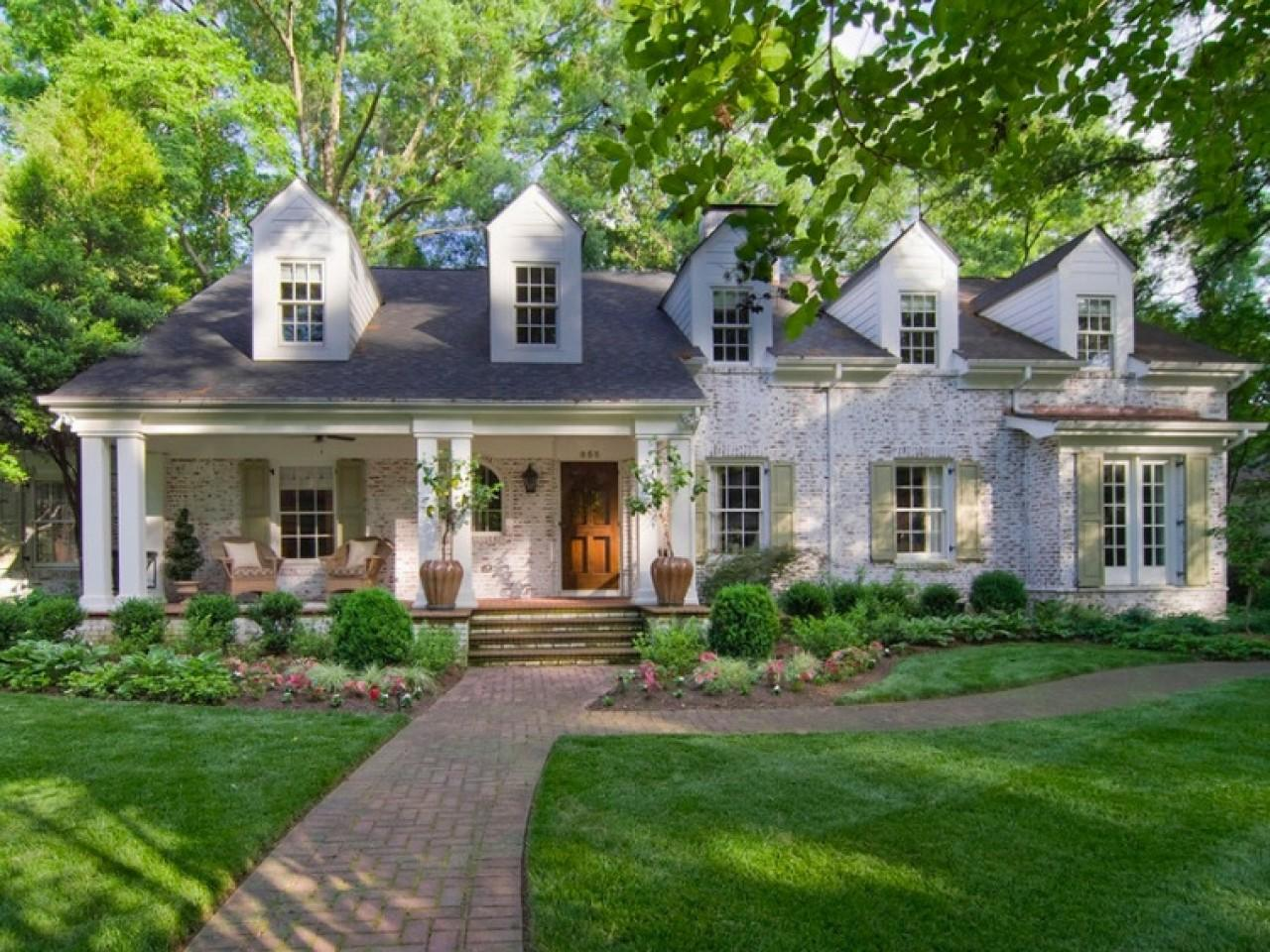Exterior Brick Colors Lime Wash House White