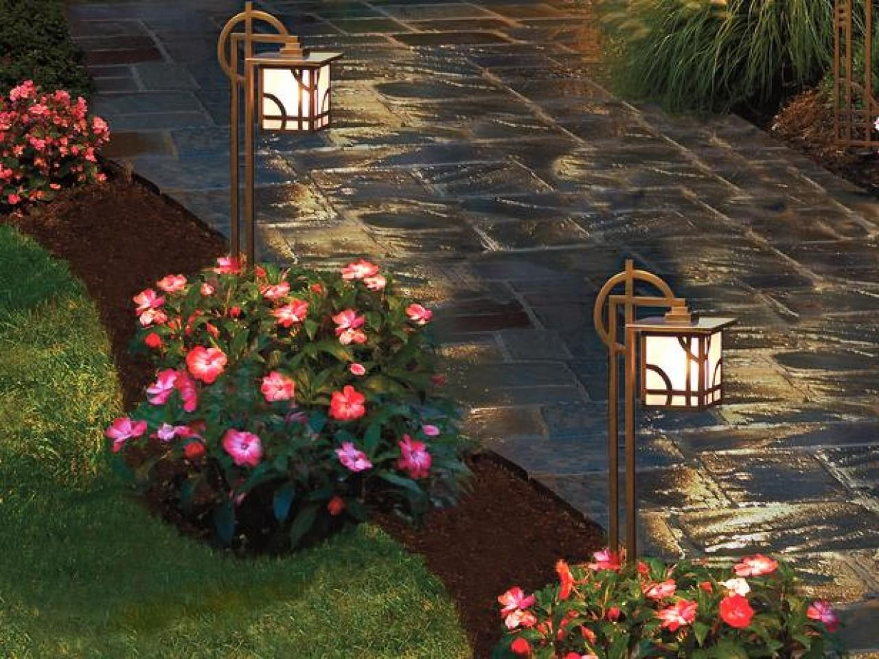 Stunning Pictures Of Garden Pathway Lighting Ideas That Everyone