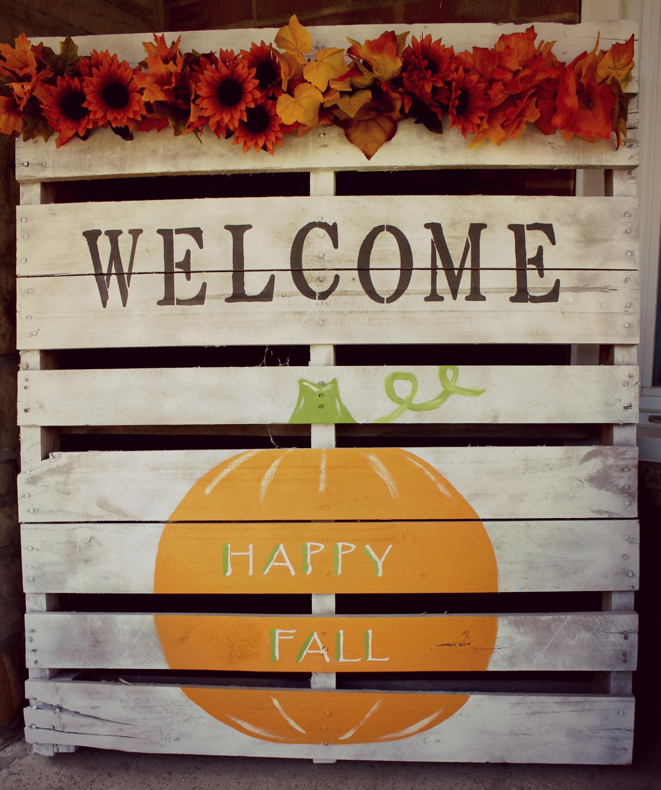 Fall Pallet Project Diy Holiday Decor Beauty More
