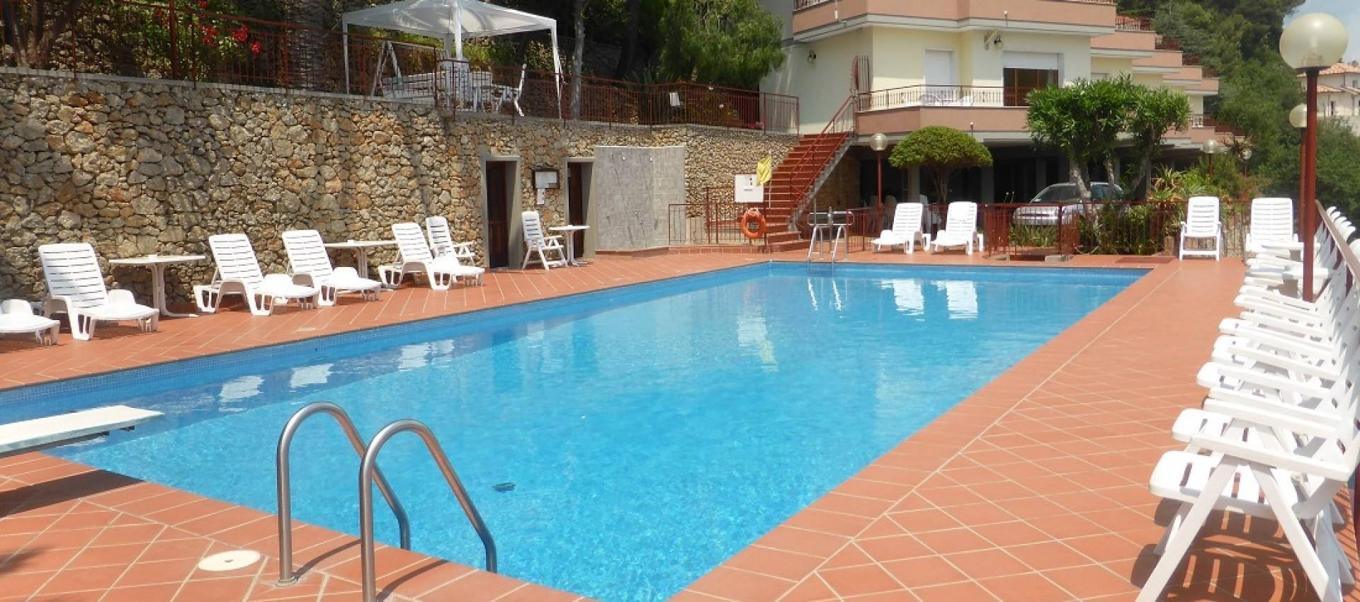 Family Residence Pool Liguria Ventimiglia