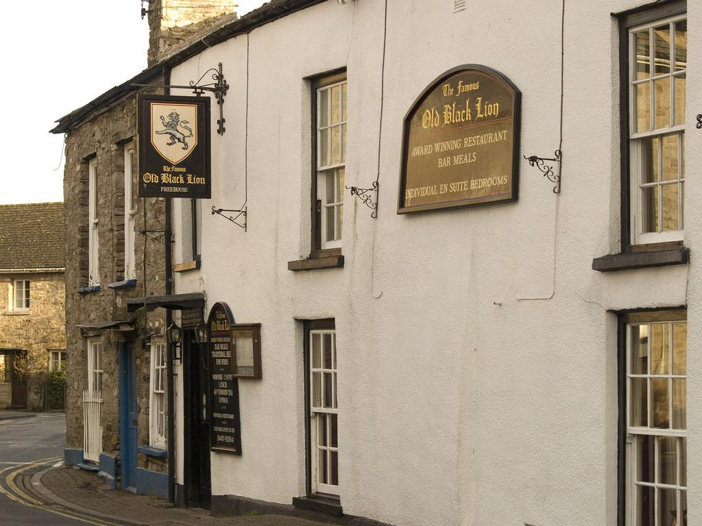 Famous Old Black Lion Inn Great Food