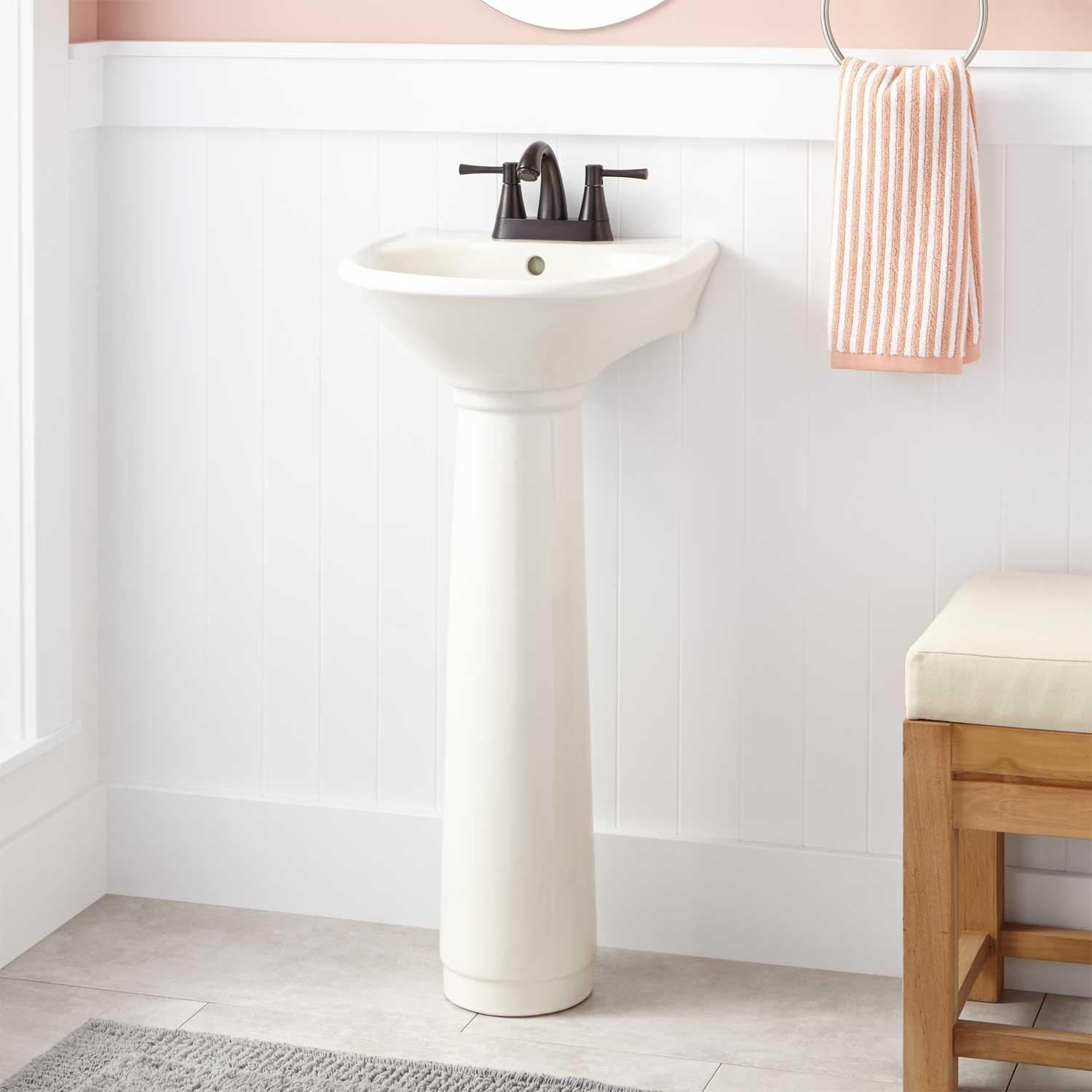 Farnham Porcelain Mini Pedestal Sink Sinks