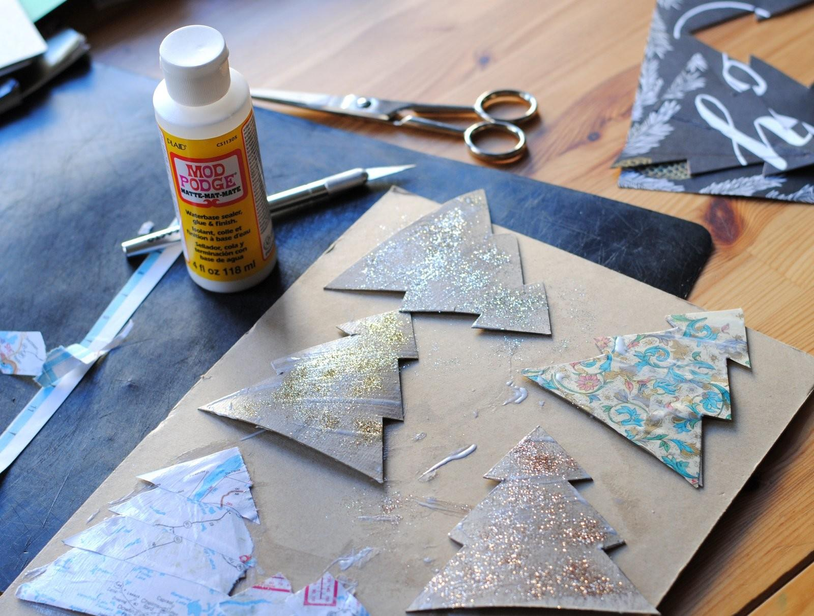 Festive Christmas Ornaments Can Make Recycled