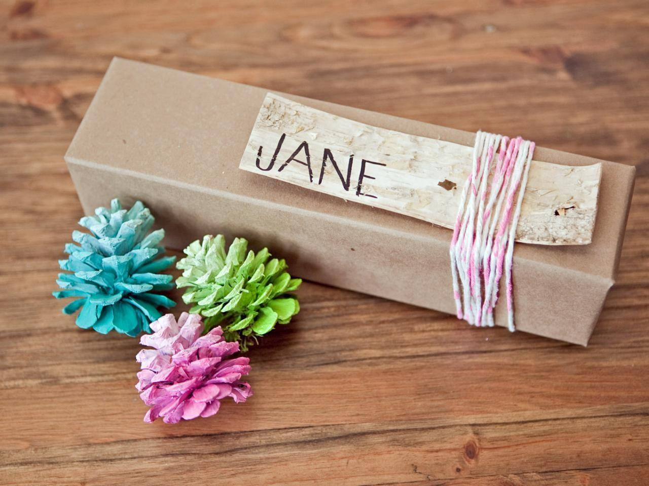 Festive Diy Holiday Party Favors