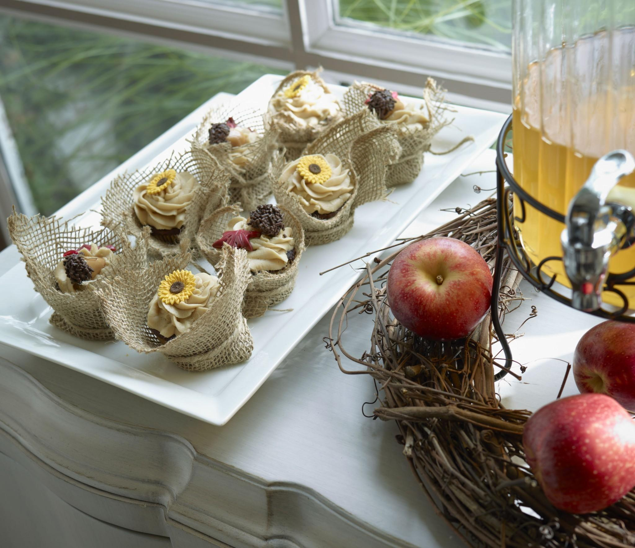 Festive Fall Entertaining Decorating Tips Dig Design