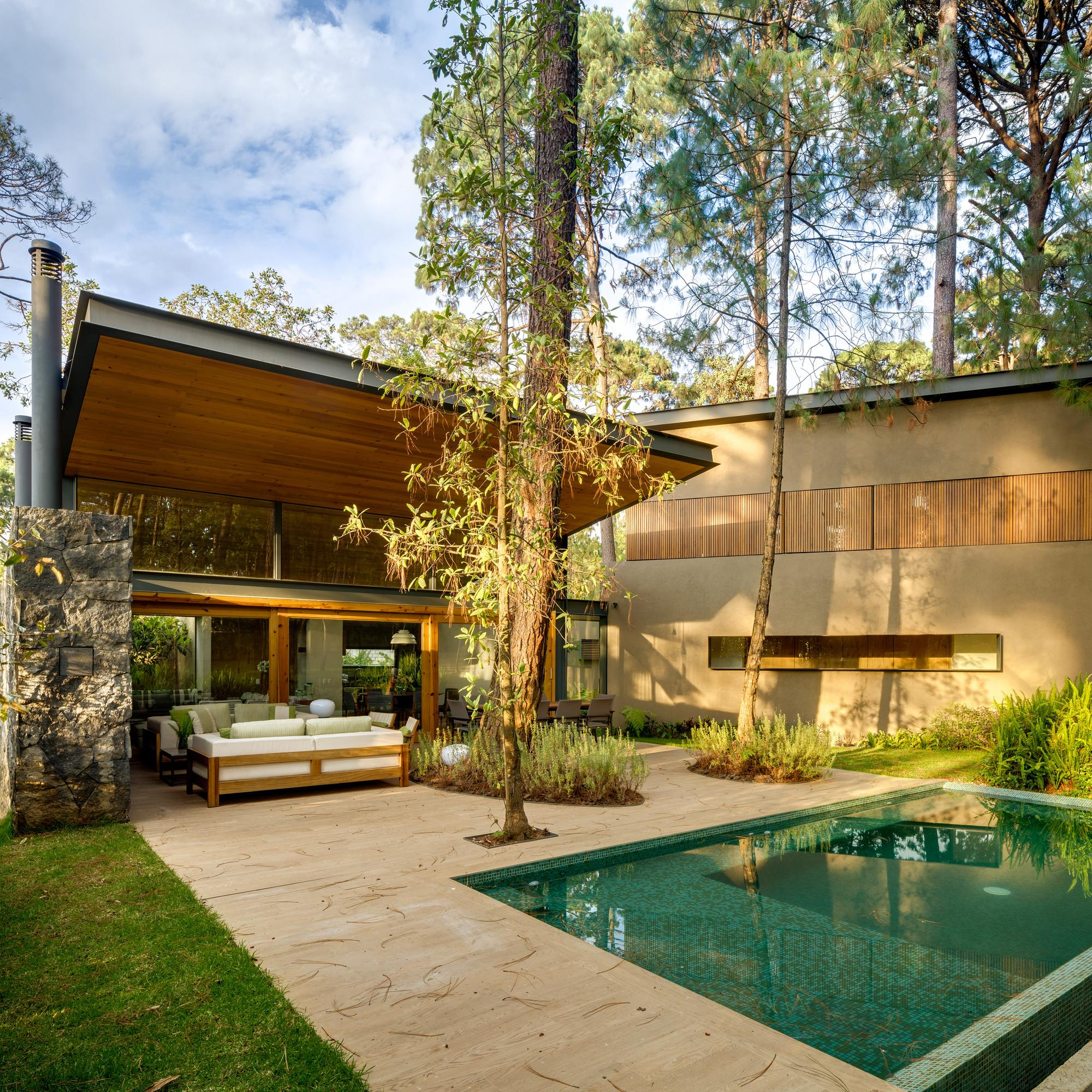 Five Houses Weber Arquitectos