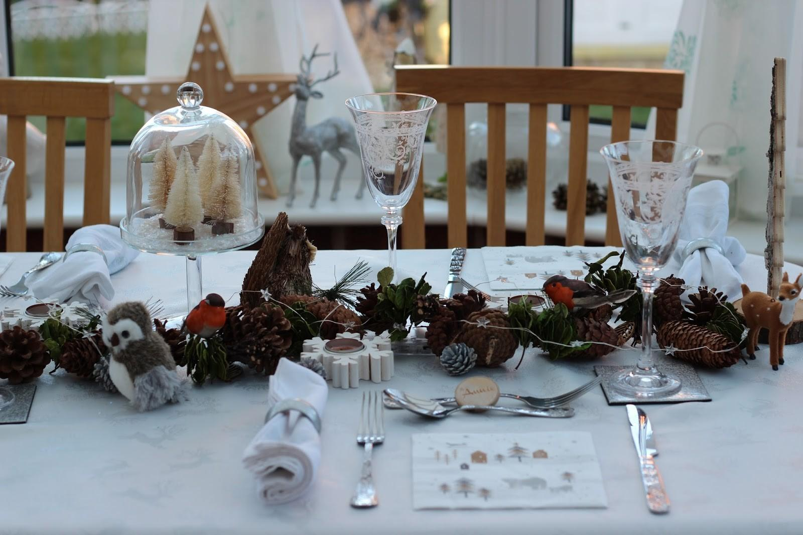 Five Minute Style Winter Woodland Christmas Table Setting