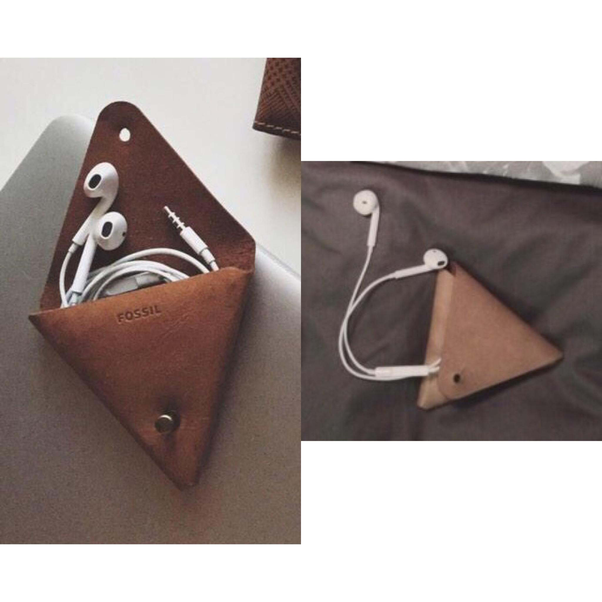 Fossil Leather Headphones Pouch Hunt