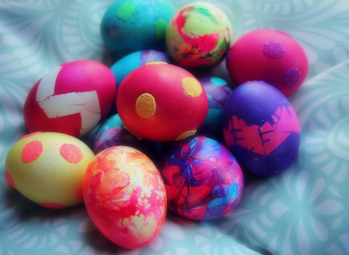 Four New Ways Decorate Easter Eggs