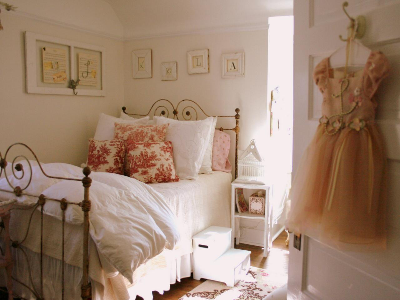 French Chic Set Theme Easy
