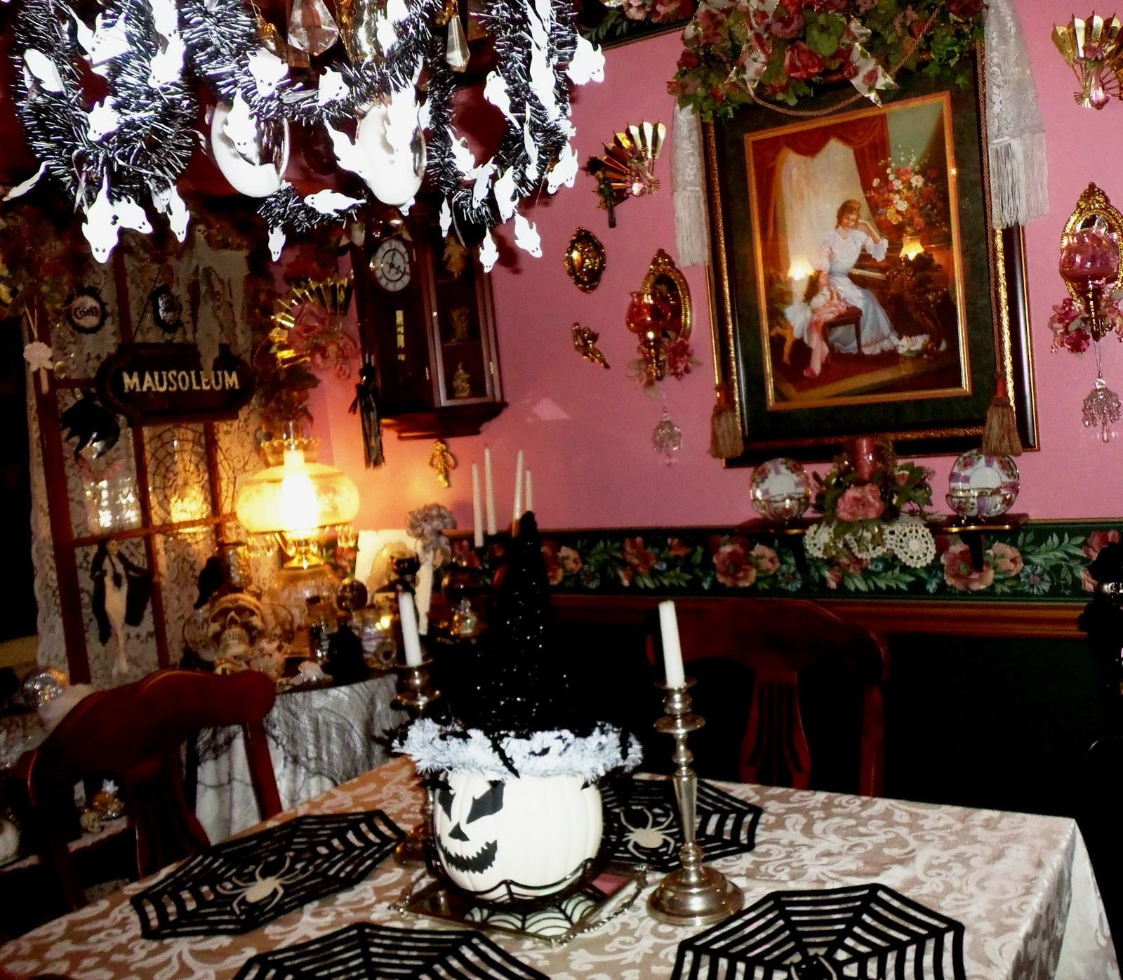 Fresh Halloween Dining Room Decorating Ideas Light