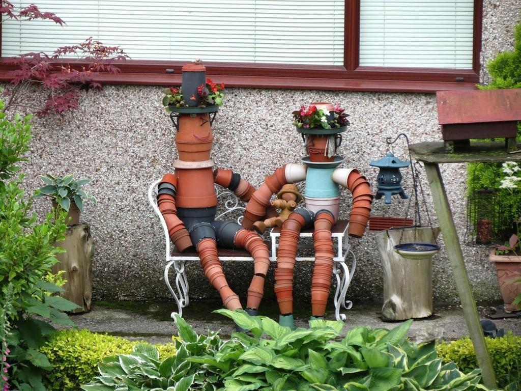 Fun Garden Projects Made Clay Pots