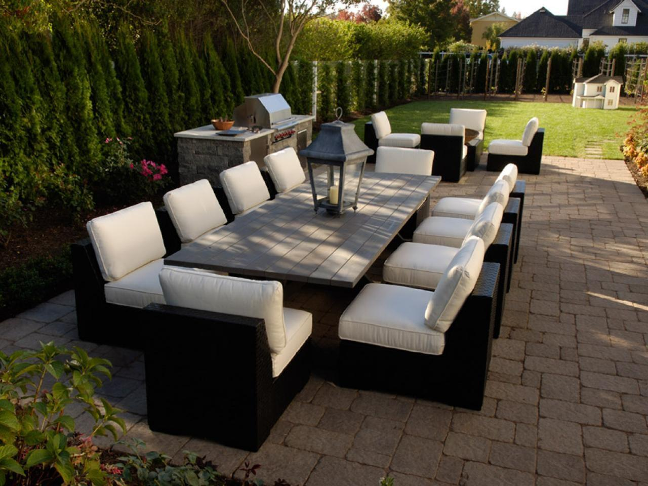 Furnishing Your Outdoor Room