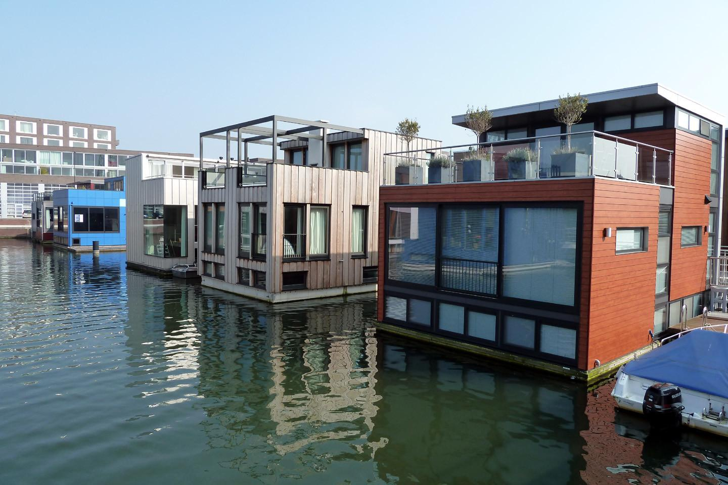 Future Floating Homes Mekong River