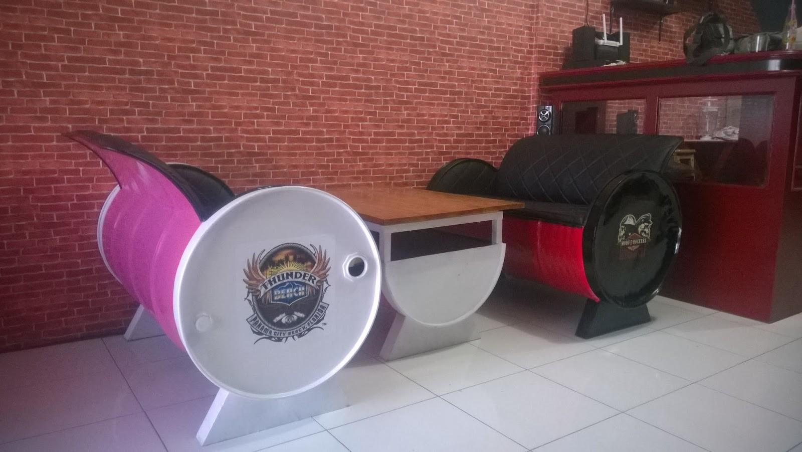 Galeri Umah Tong Upcycled Oil Drum Into Furniture