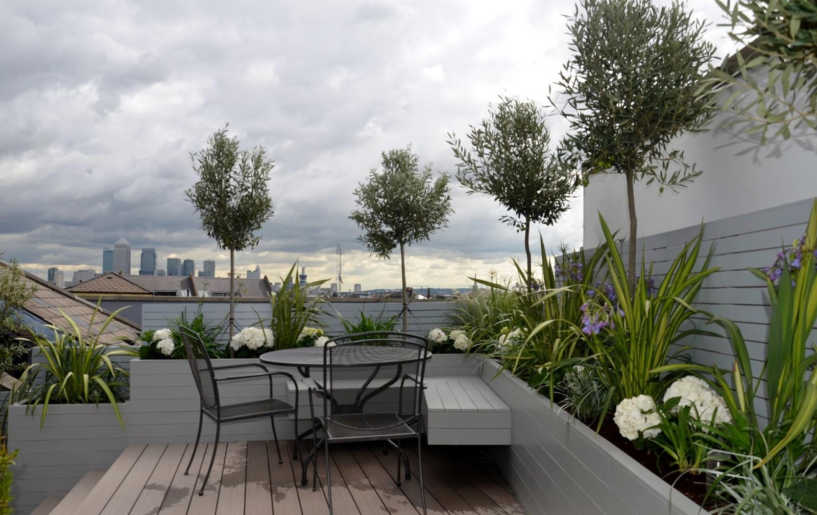 Practical Contemporary London Home Rooftop Garden That Will Make