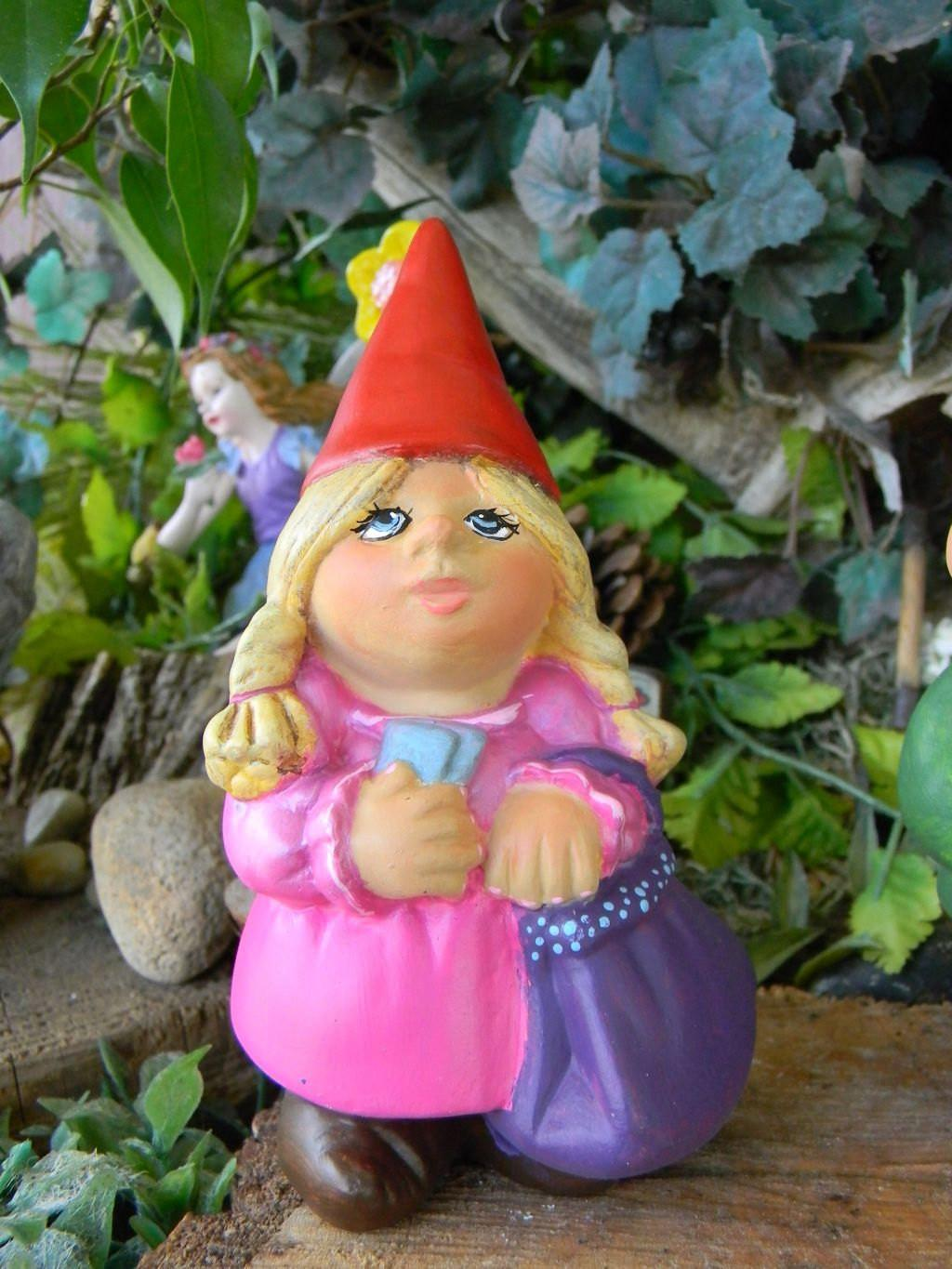 Garden Gnome Lady Female Woman Traveling