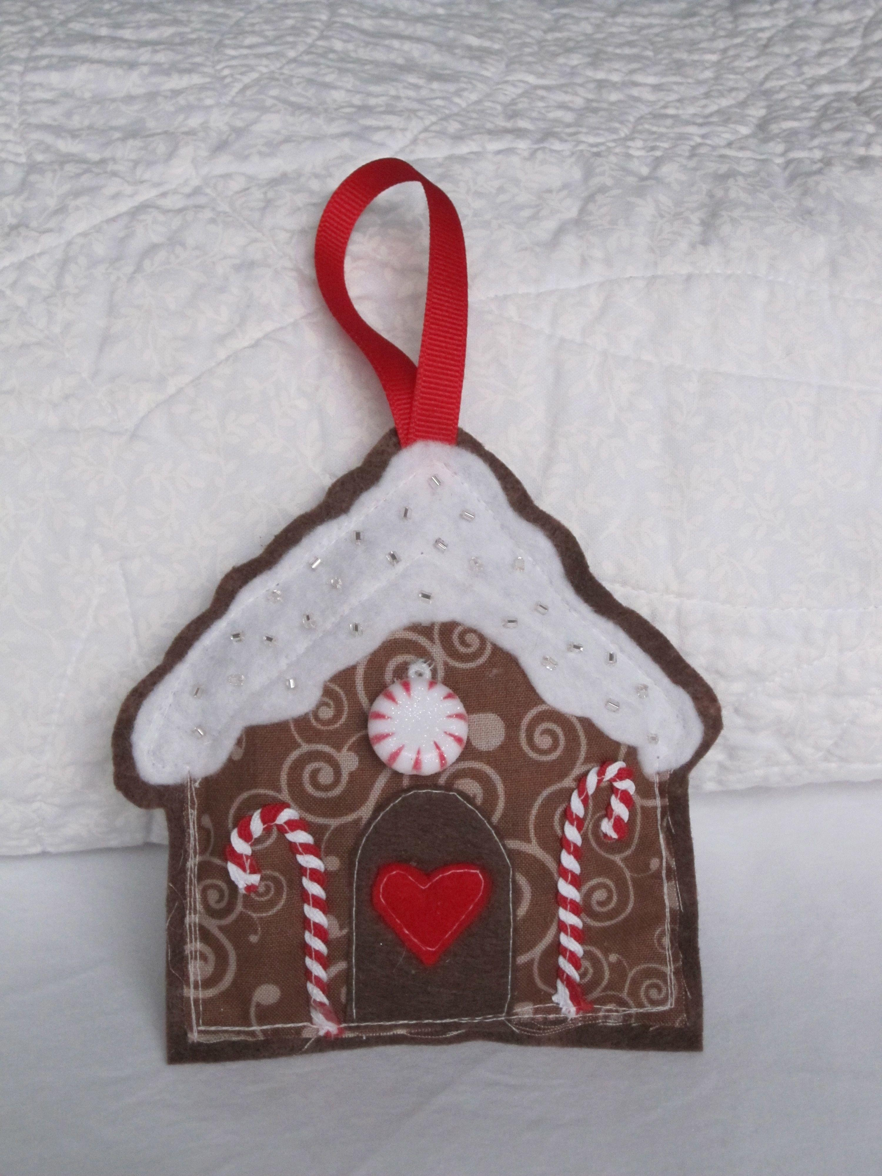 Gingerbread House Ornaments Montano