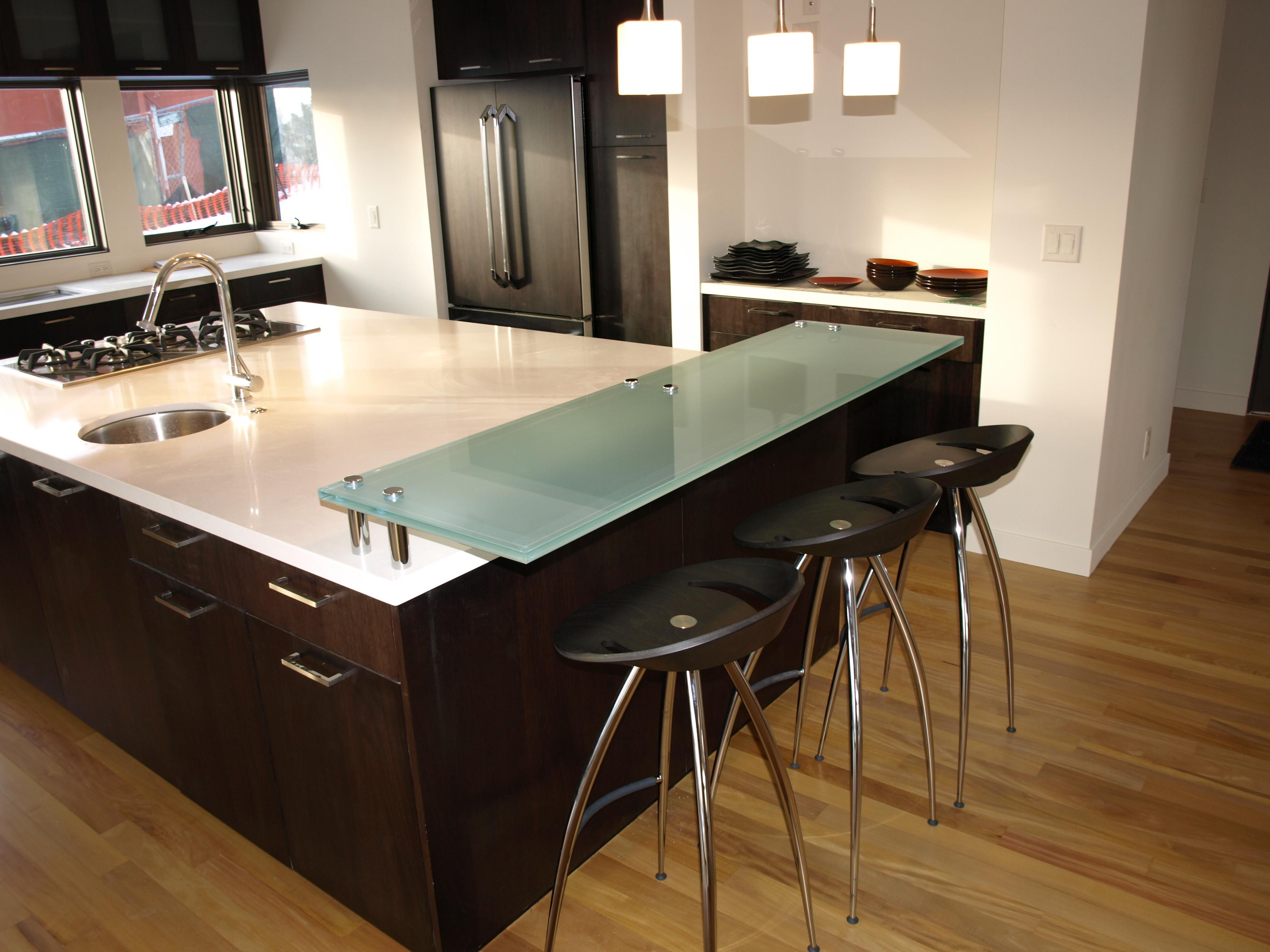 Glass Bar Top Raised Plain Countertop