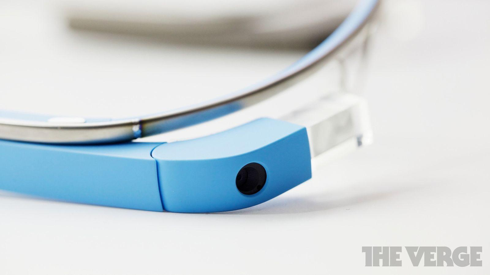 Glass Have New Snap Design Says Wsj