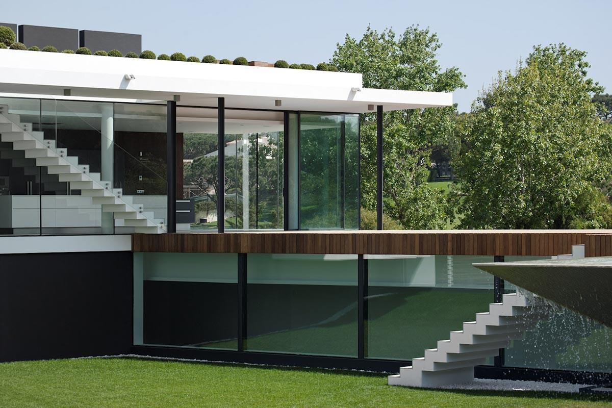Glass Walls Modern Home Unique Suspended Pool