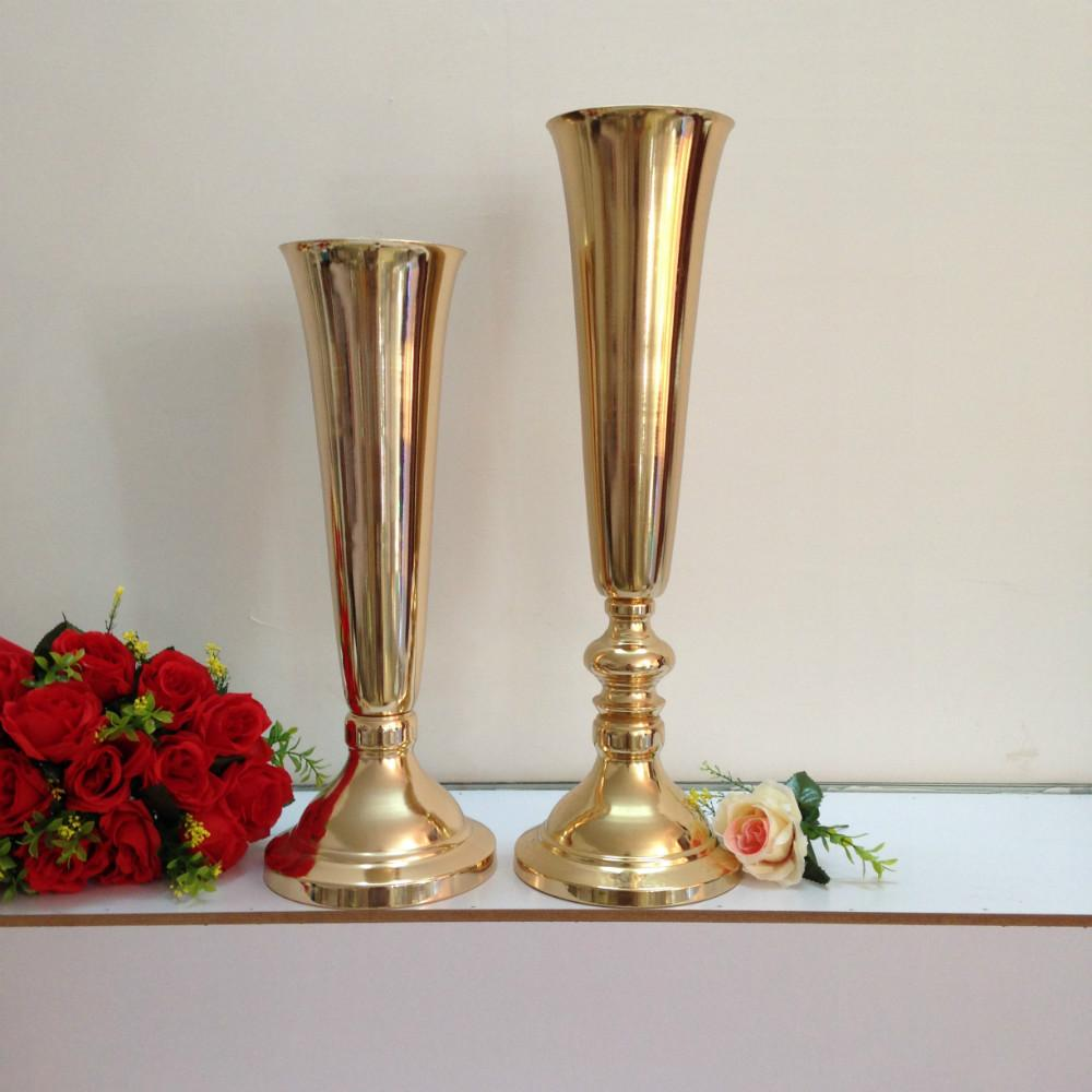 Gold Vase Tall Round Tables Have