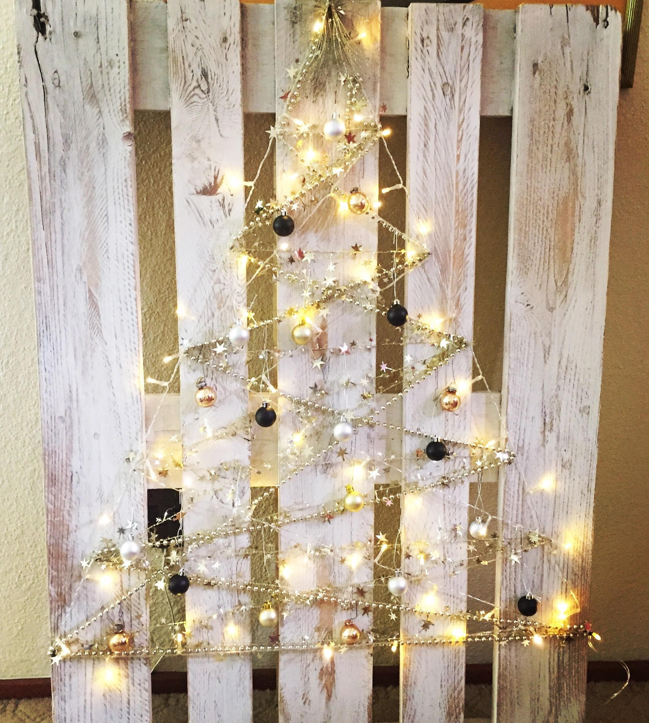 Gorgeous Diy Pallet Christmas Tree Our Greenish Life