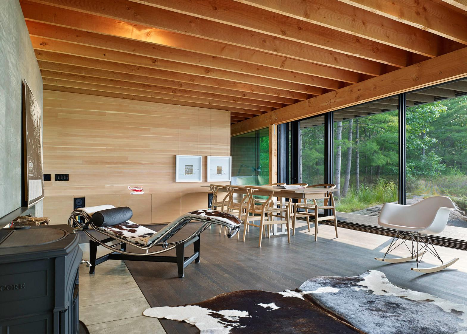 Gorgeous Vacation Home Green Roof Perches Canadian