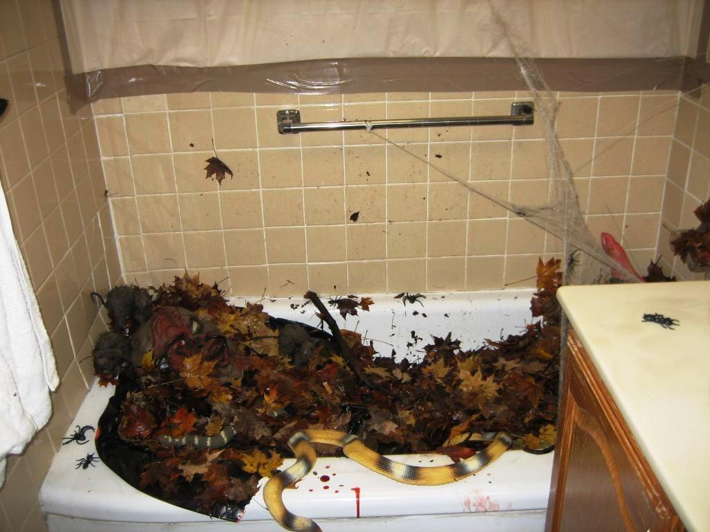 Halloween Decorations Bathroom Scare Away Your Guests