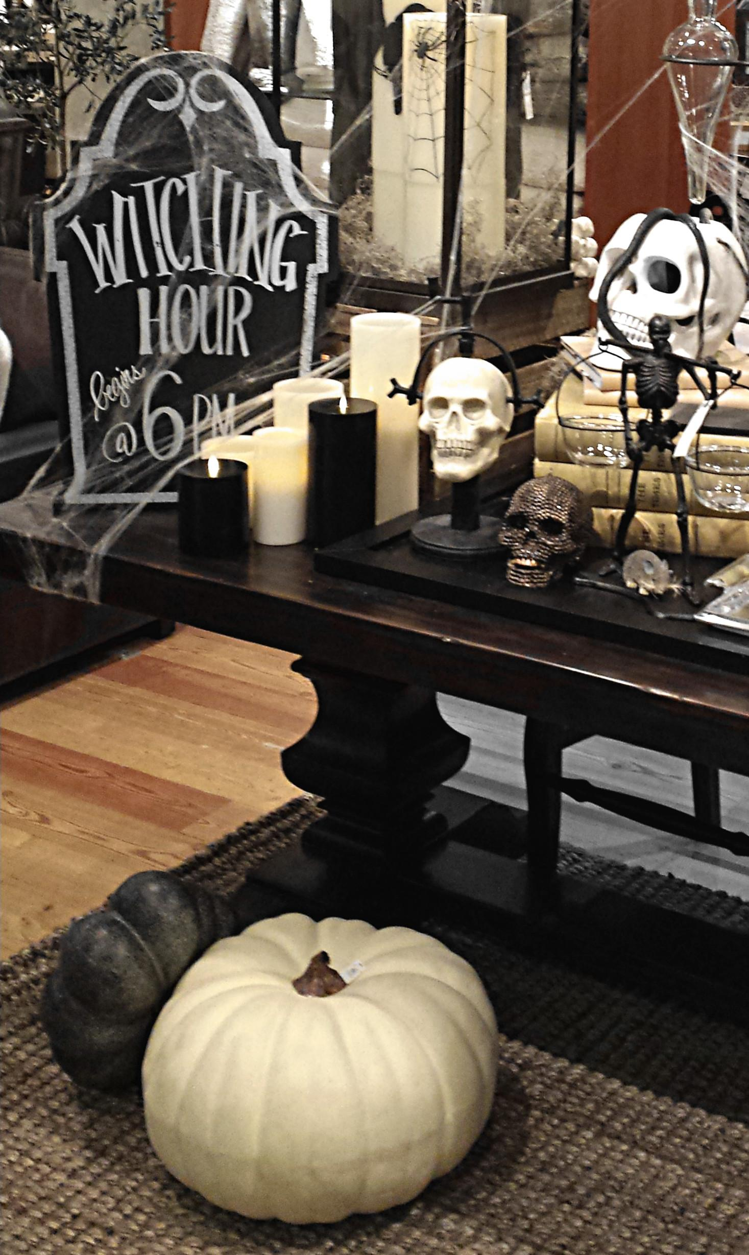 Halloween Home Decor Great Black White Look