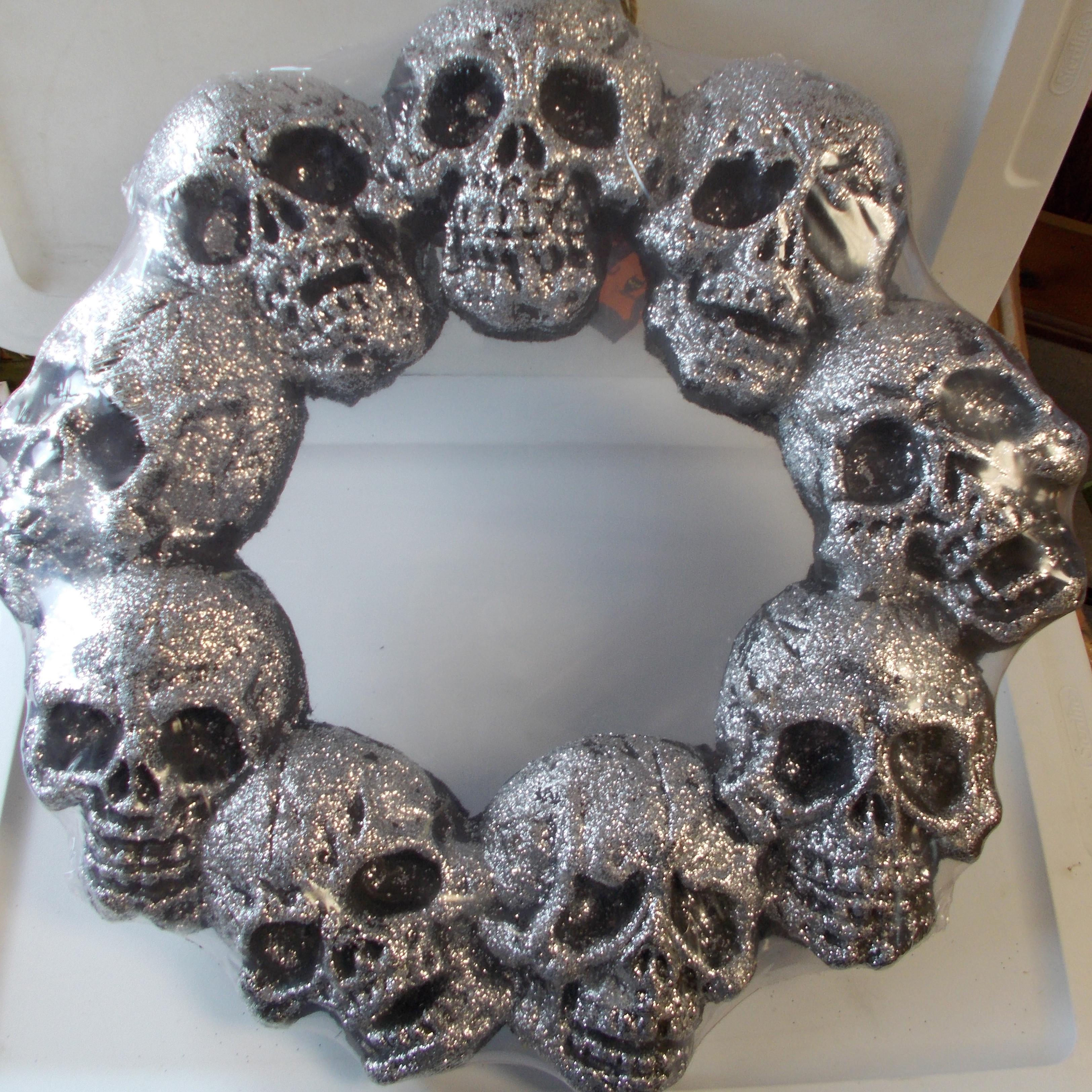 Halloween Silver Glitter Skull Skeleton Wreath Decor
