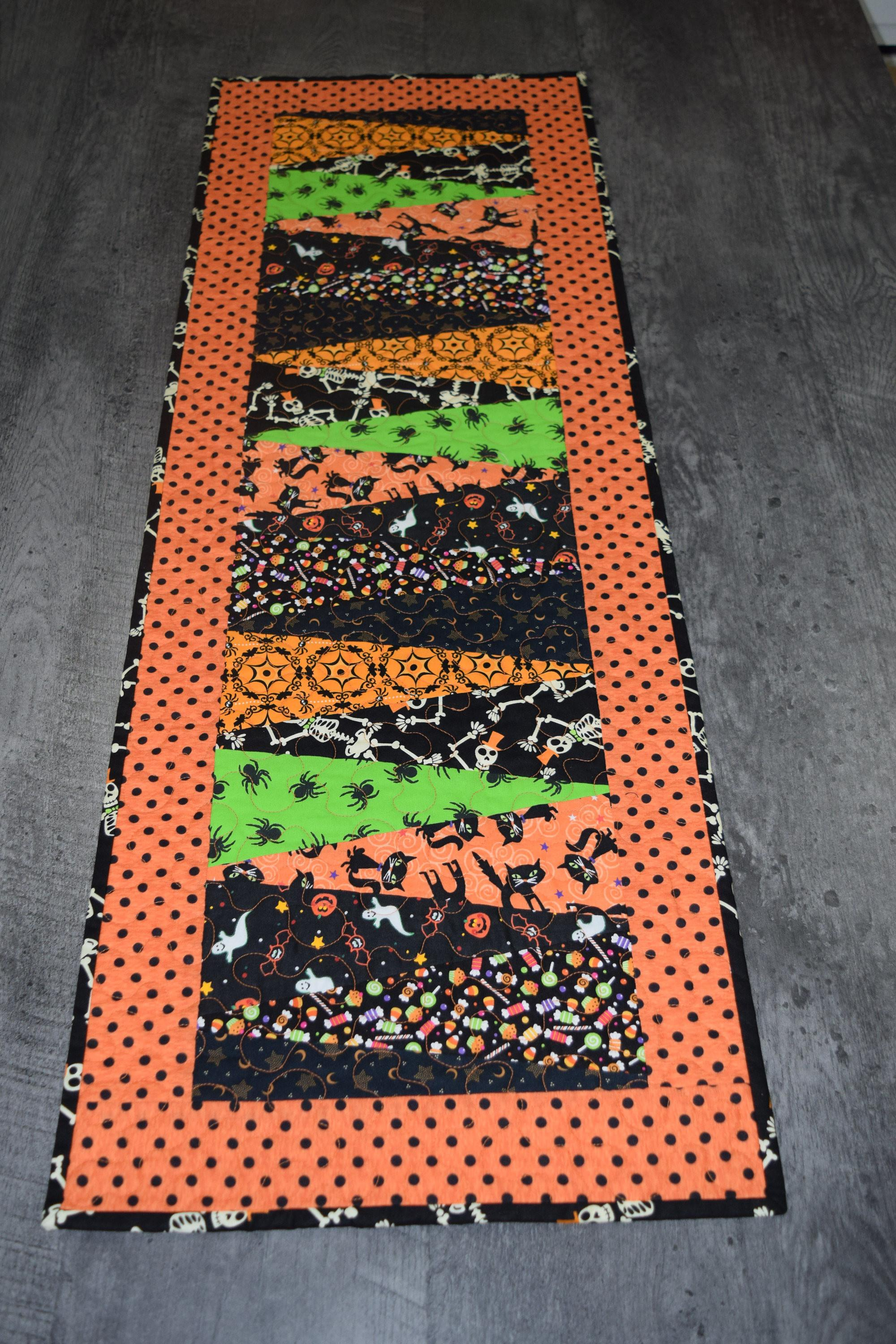 Halloween Table Runner Housewares Kitchen Dining Room Home