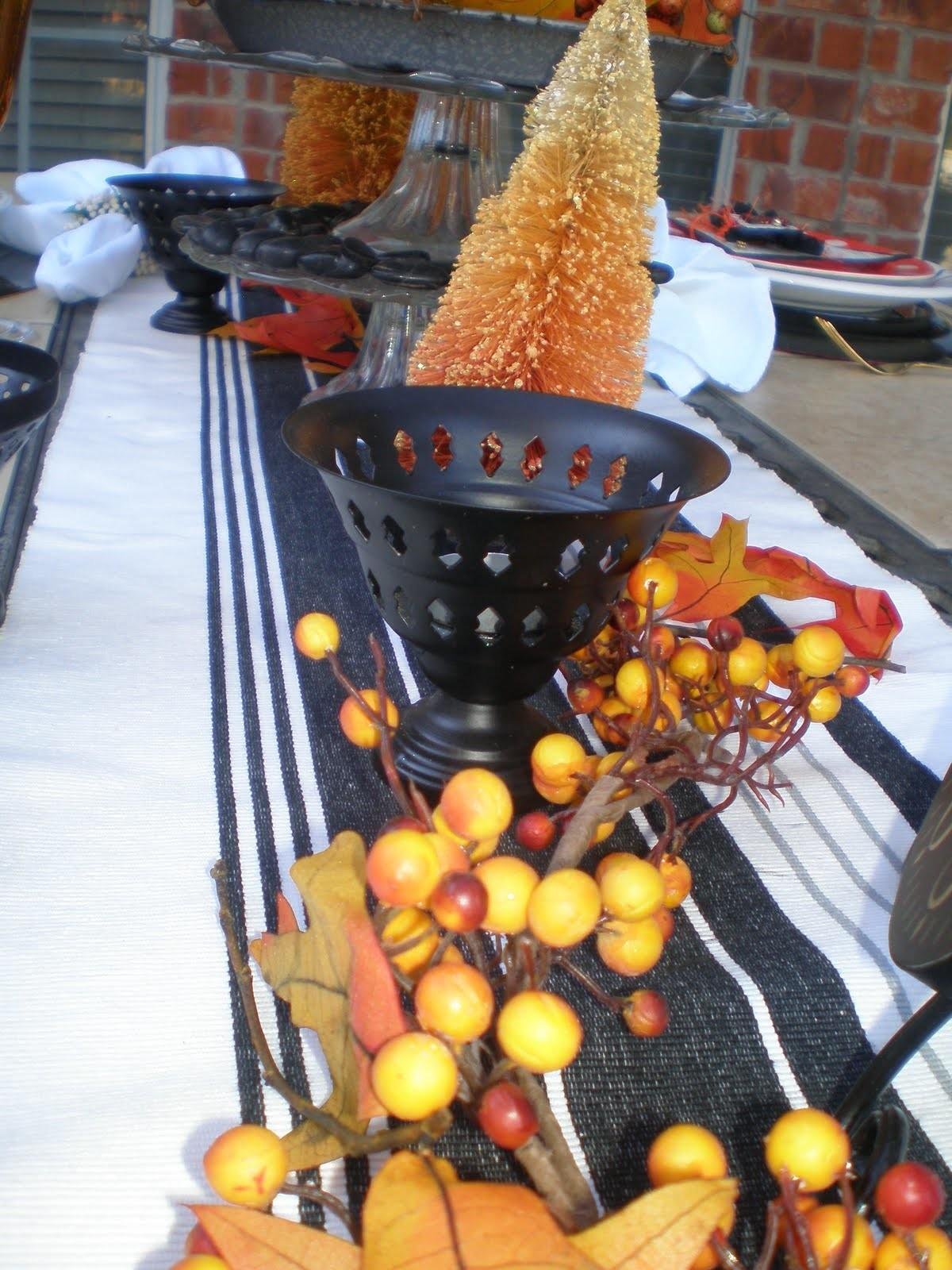 Halloween Tablescape Style Sisters